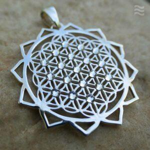 Anhänger Blume des Lebens mit Lotusblättern und weißen Swarovski-Kristallen
